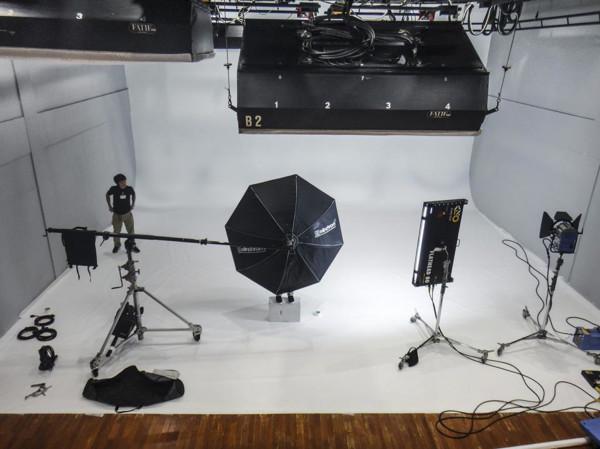 スタジオ006